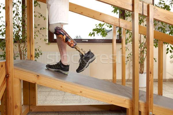 Erkek protez eğitim yürümek ahşap Stok fotoğraf © belahoche