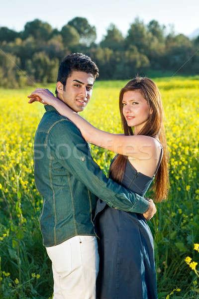 Romantik samimi kucaklamak bakmak kamera Stok fotoğraf © belahoche