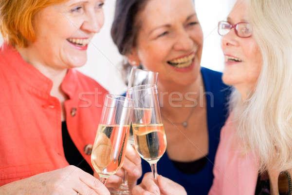 Heureux mamans célébrer quelque chose vin Photo stock © belahoche