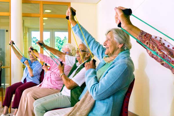 Vrouwen stoelen groep ouder Stockfoto © belahoche