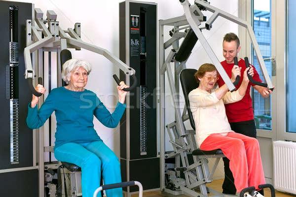 старые женщины спортзал инструктор два Сток-фото © belahoche