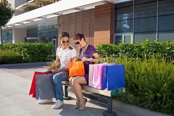 Mutlu alışveriş oturma bank Stok fotoğraf © belahoche