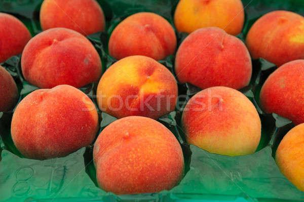 Pêssego fazenda fresco pêssegos individual dentro Foto stock © bendicks