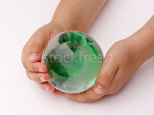 Planète verre balle mains enfants bébé Photo stock © bendzhik