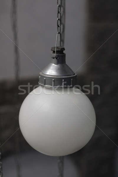 белый свет фонарь подвесной цепь темно Сток-фото © bendzhik