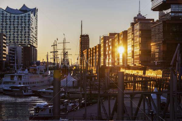 Hamburg architectuur zonsondergang Duitsland hemel huis Stockfoto © benkrut