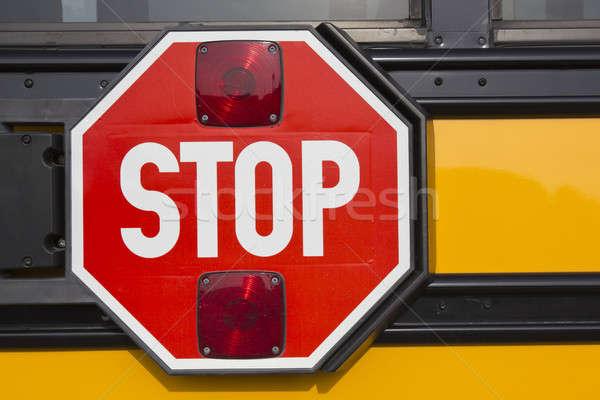 Dur işareti sarı okul otobüsü kırmızı Stok fotoğraf © benkrut
