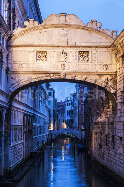Bridge of Sighs in Venice Stock photo © benkrut
