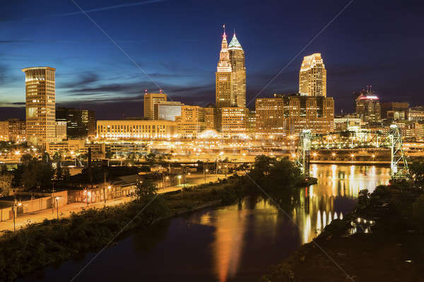 Cleveland skyline and Cuyahoga River Stock photo © benkrut