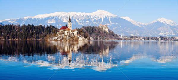 Kerk onderstelling meer hemel water winter Stockfoto © benkrut