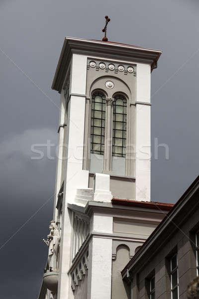 Templom központ égbolt város kereszt utazás Stock fotó © benkrut