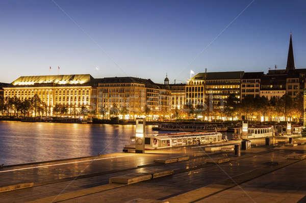 Hamburg Duitsland stad nacht skyline meer Stockfoto © benkrut