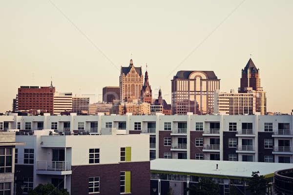 Sziluett lakás égbolt város utazás Stock fotó © benkrut