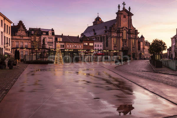 Lluvioso manana región Bélgica ciudad iglesia Foto stock © benkrut