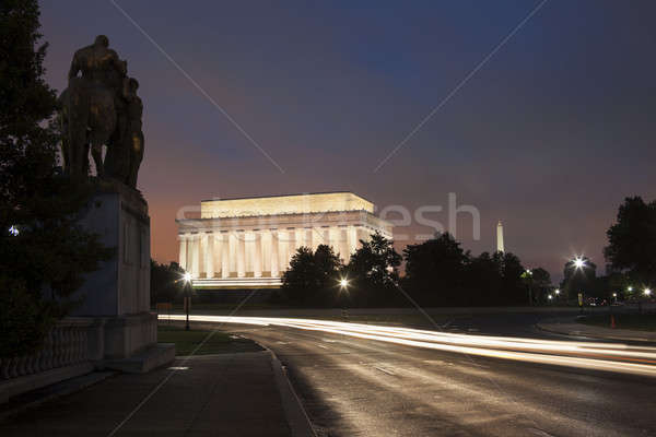 Traffic in front of Lincoln Monument Stock photo © benkrut
