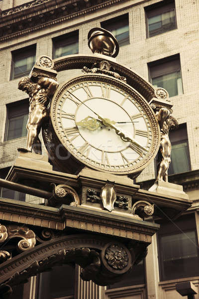 Oude straat klok centrum Stockfoto © benkrut