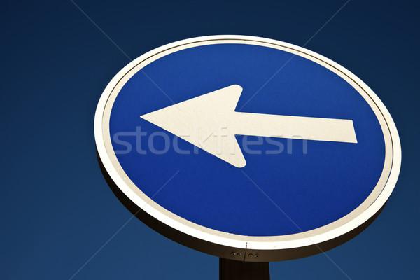 Erre kék jelzőtábla égbolt felirat forgalom Stock fotó © benkrut