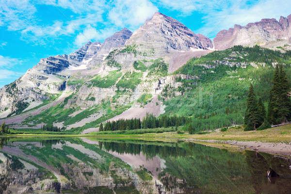 Gesztenyebarna hegy nyár utazás tó Stock fotó © benkrut
