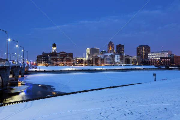 Des Moines skyline across frozen river  Stock photo © benkrut