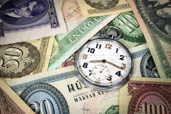 Foto stock: Húngaro · tempo · é · dinheiro · relógio · de · bolso · velho · dinheiro · relógio