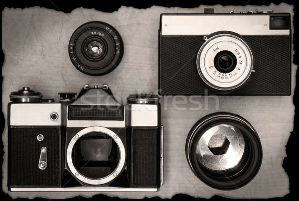 öreg utasítás fényképezőgépek lencse fából készült asztal Stock fotó © berczy04