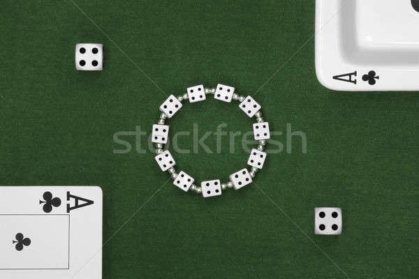 Pôquer cartões dados cinzeiro verde tabela Foto stock © berczy04