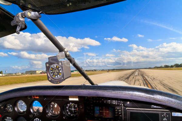 Cockpit klein vliegtuigen af Stockfoto © Bertl123