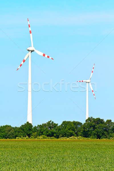 Szél elektromos erőmű szélturbinák kék ég égbolt technológia Stock fotó © Bertl123