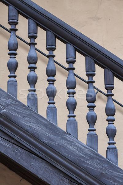 Fából készült korlát antik lépcsőház közelkép kilátás Stock fotó © Bertl123