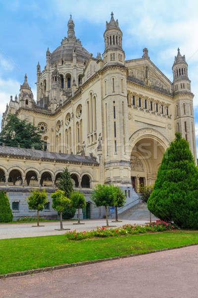 Basílica normandia França árvore edifício atravessar Foto stock © Bertl123