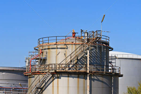 Olajfinomító kék ég nehéz ipar összetett égbolt Stock fotó © Bertl123