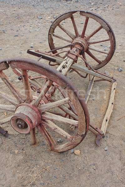 Eski batı tekerlekler çöl Stok fotoğraf © Bertl123
