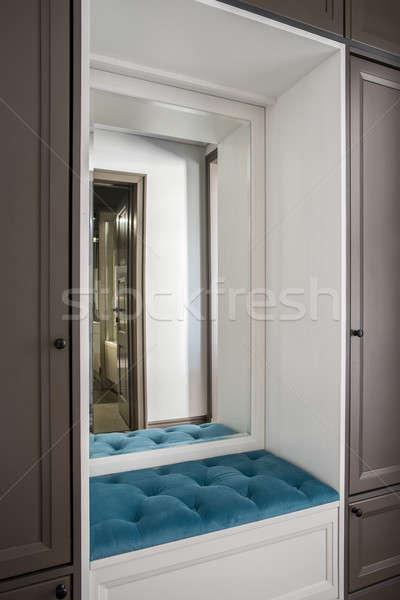Elegáns hotelszoba gyönyörű barna fehér niche Stock fotó © bezikus