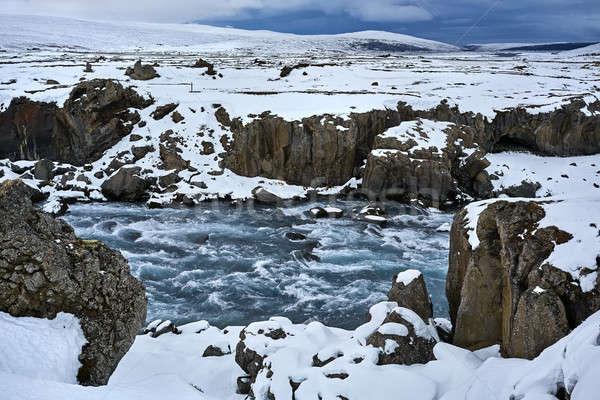 Paisaje áspero río congelado canón montanas Foto stock © bezikus