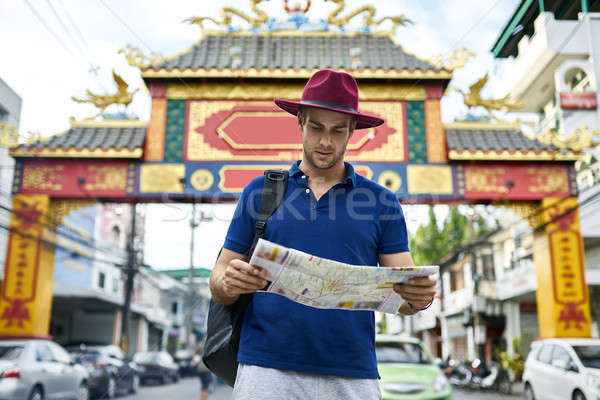 Reiziger asian straat daglicht schieten nadenkend Stockfoto © bezikus