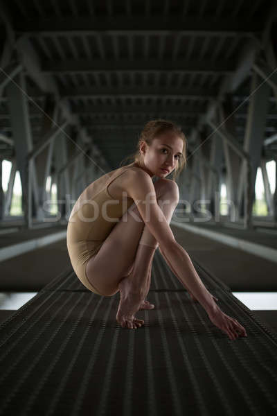 Portré fiatal kecses ballerina fürdőruha városi Stock fotó © bezikus