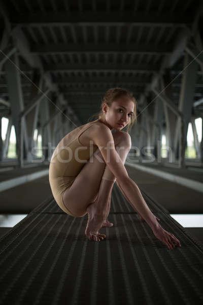 Portret jonge bevallig ballerina badpak stedelijke Stockfoto © bezikus