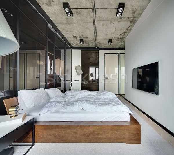 Yatak odası çatı katı stil salon beyaz duvarlar Stok fotoğraf © bezikus