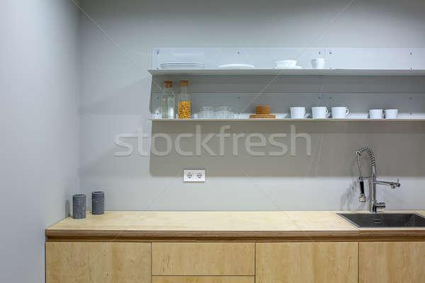 Mutfak çatı katı stil ahşap batmak raflar Stok fotoğraf © bezikus