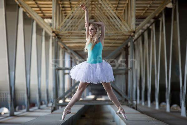 Kecses ballerina ipari fehér híd lány Stock fotó © bezikus