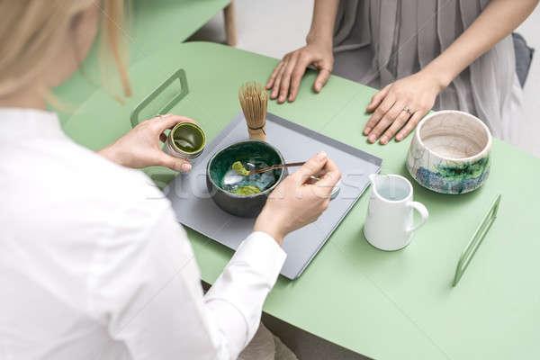 Készít zöld tea aranyos lányok kínai Stock fotó © bezikus