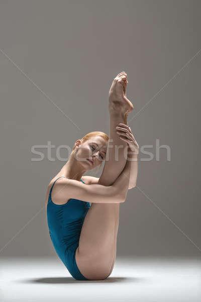 Stockfoto: Blond · ballerina · studio · verrukkelijk · blootsvoets