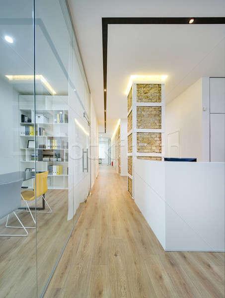 Ufficio stile moderno sala lampada bianco Foto d'archivio © bezikus