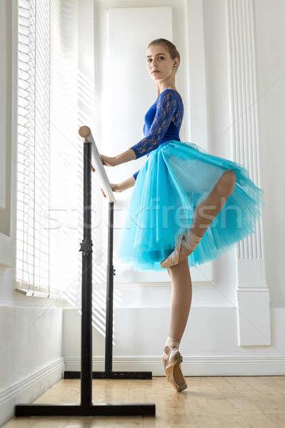 Zdjęcia stock: Baleriny · szkolenia · zdumiewający · palec · balet