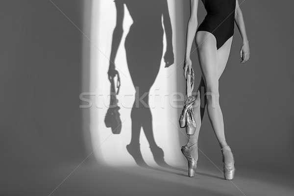 Portret nogi wdzięczny baleriny studio biały Zdjęcia stock © bezikus