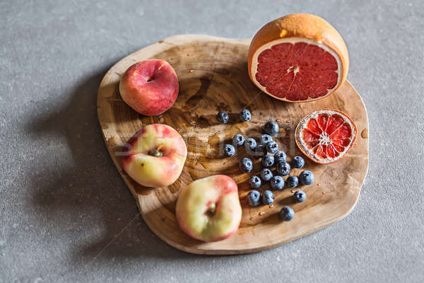 Friss lédús gyümölcs fa deszka színes mintázott Stock fotó © bezikus
