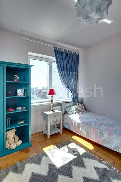Stockfoto: Slaapkamer · kid · witte · muren · tapijt · vloer