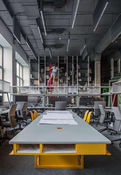 Ofis çatı katı stil uzun tablo sarı Stok fotoğraf © bezikus