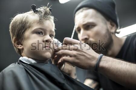 Weinig jongen getatoeëerd bebaarde barbier jongens Stockfoto © bezikus