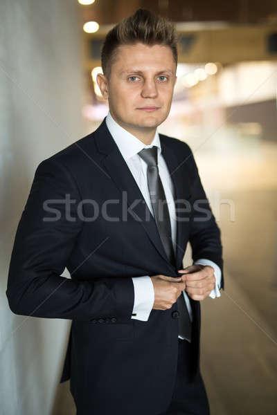 dd9f752e82 Férfi · öltöny · üzletember · sötét · üzlet · textúra - stock fotó ...